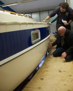Carl and Rudolf discussing the hull